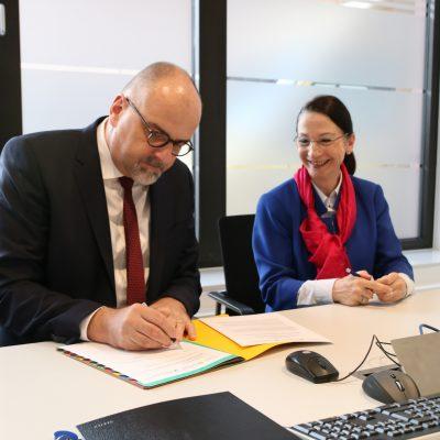 Welcome Center startet Kooperation mit Handwerkskammer